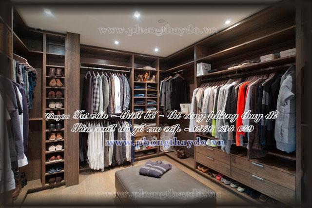 Nội thất phòng thay đồ với các tủ gỗ