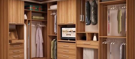 Mẫu phòng thay đồ màu gỗ